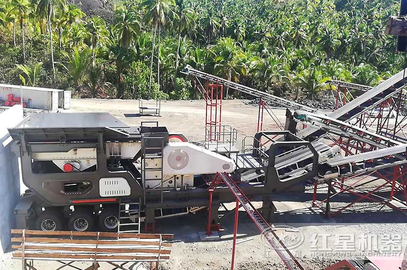 移动式煤矸石粉碎机作业现场图