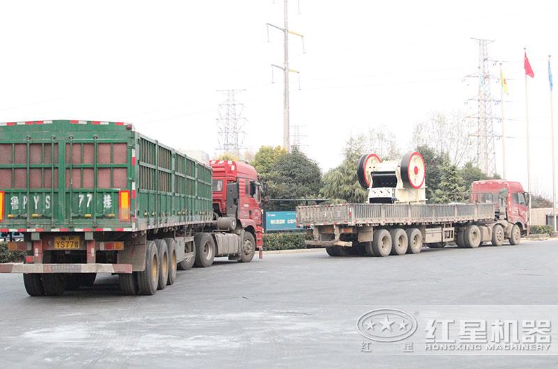 石子破碎机整套设备发往江苏