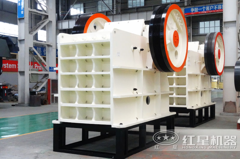 鄂式破碎机时产1-2200t/h,进料125-1200mm