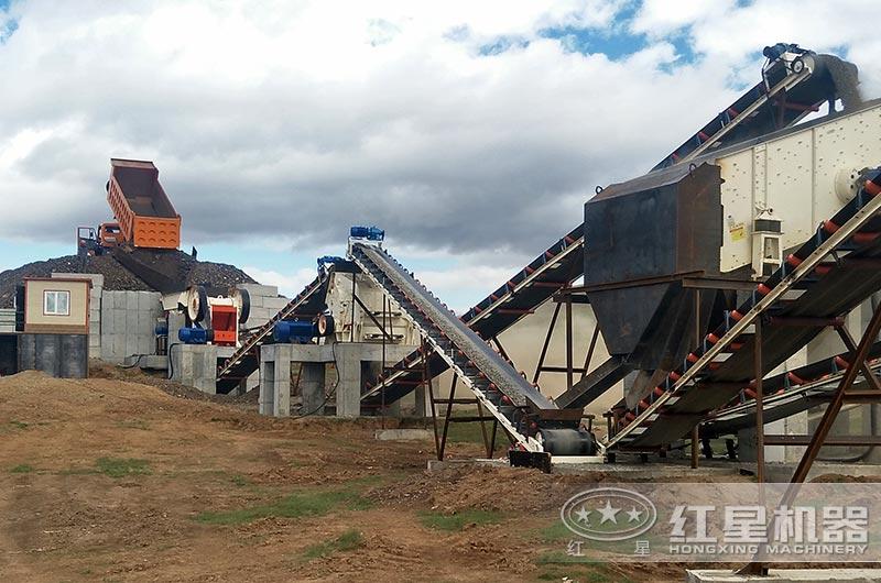 时产200吨石子破碎机生产现场图