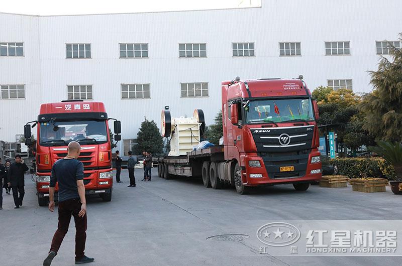 每小时产150吨碎石机设备发货图