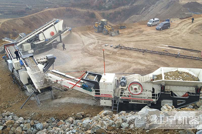 履带式移动建筑垃圾粉碎机作业现场图