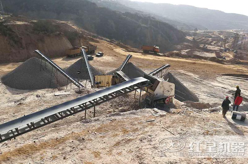 时产200吨反击破碎机作业现场图