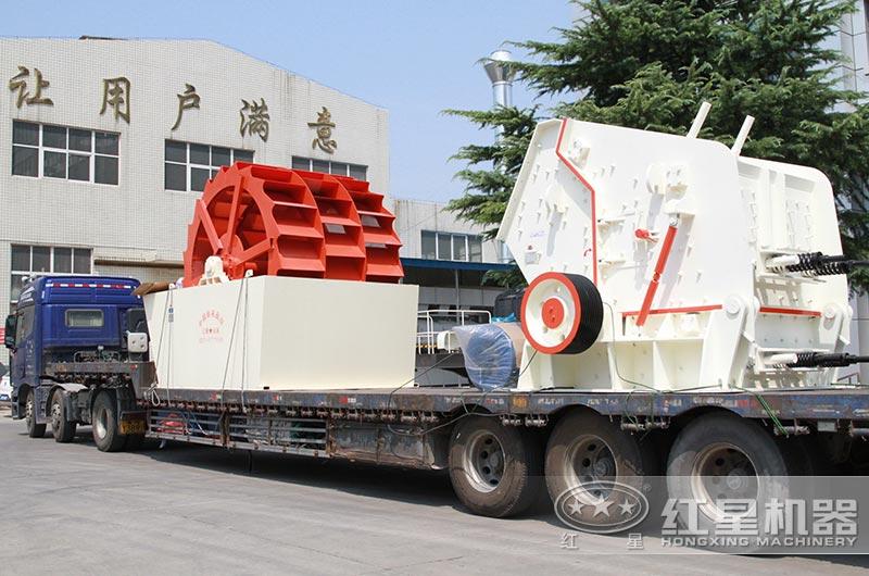 时产200吨反击破碎机设备发货