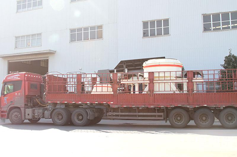 一天200吨制砂机设备发货图片