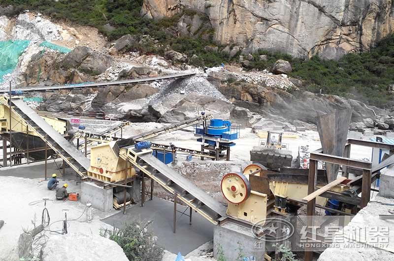 安徽客户一小时300吨石头破碎生产线