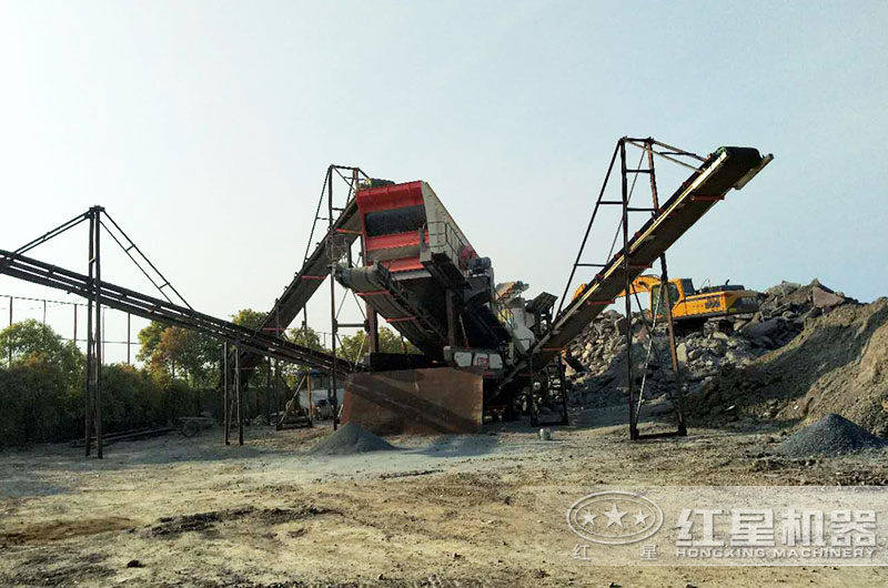 水泥块破碎机工作现场图片