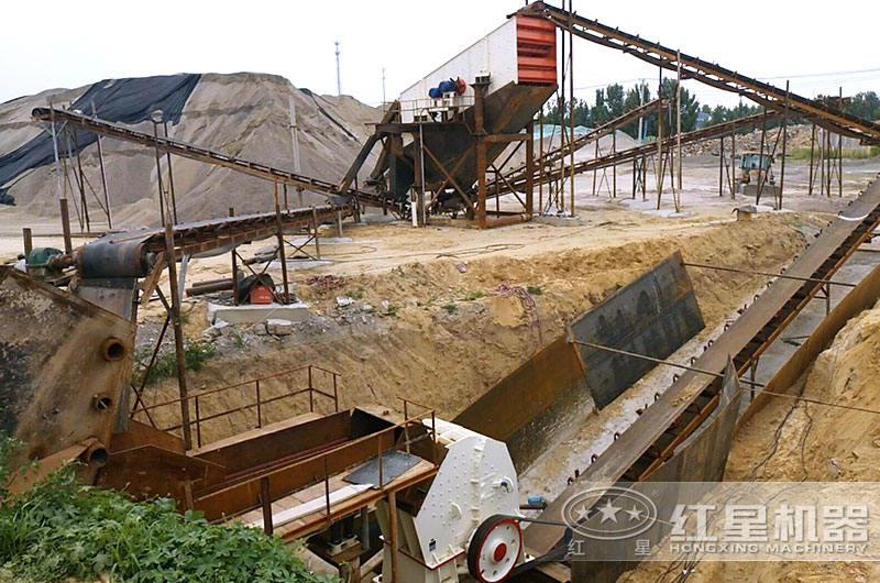 固定式小型水泥块粉碎机生产现场