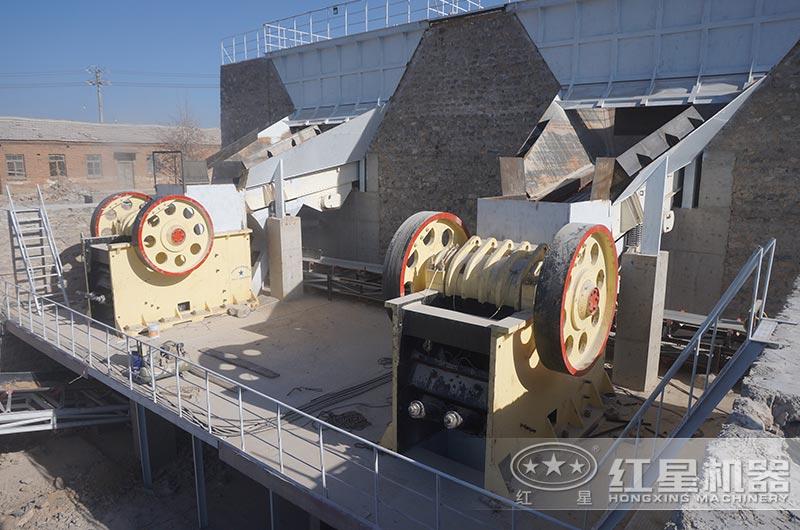 河北时产700吨破碎生产线:颚式破碎机
