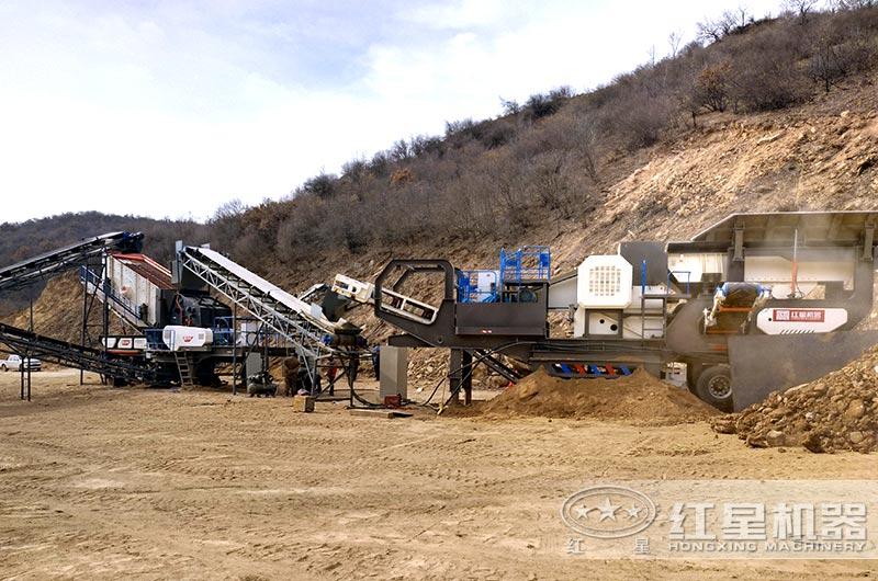 福建鹅卵石移动破碎制砂生产线现场