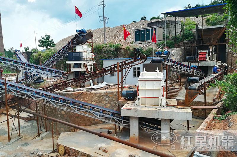 石料厂粉碎石头机生产现场图片