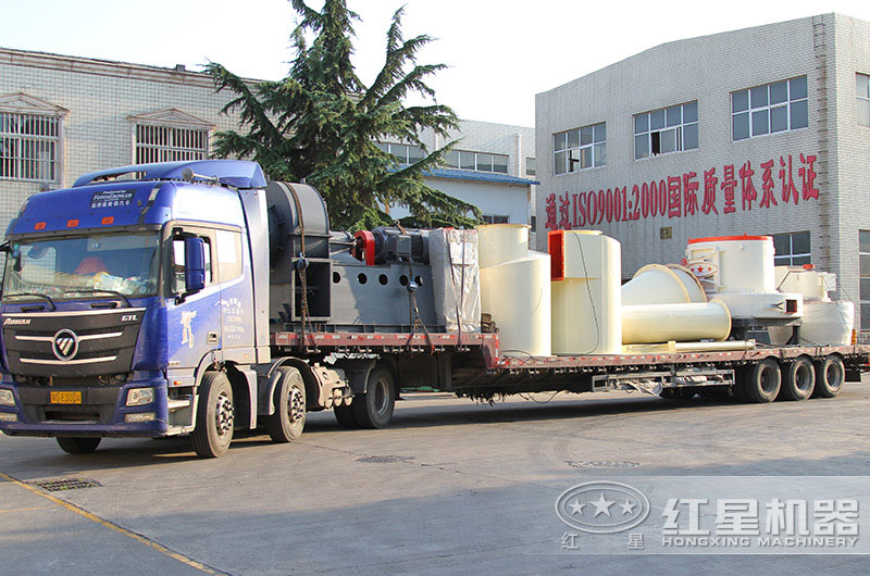 新型雷蒙磨粉机设备发货中