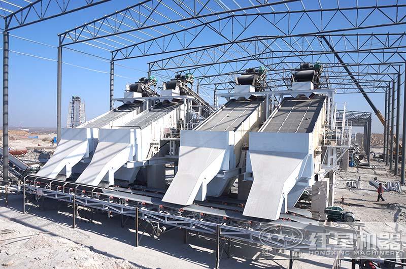 砂石料生产现场-振动筛