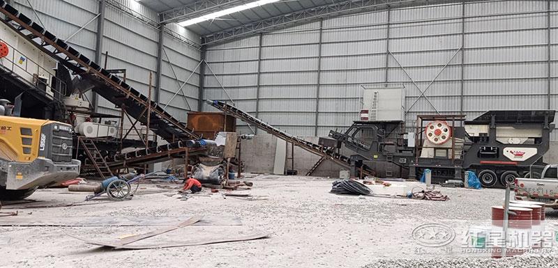 日产五万吨移动破碎生产线现场