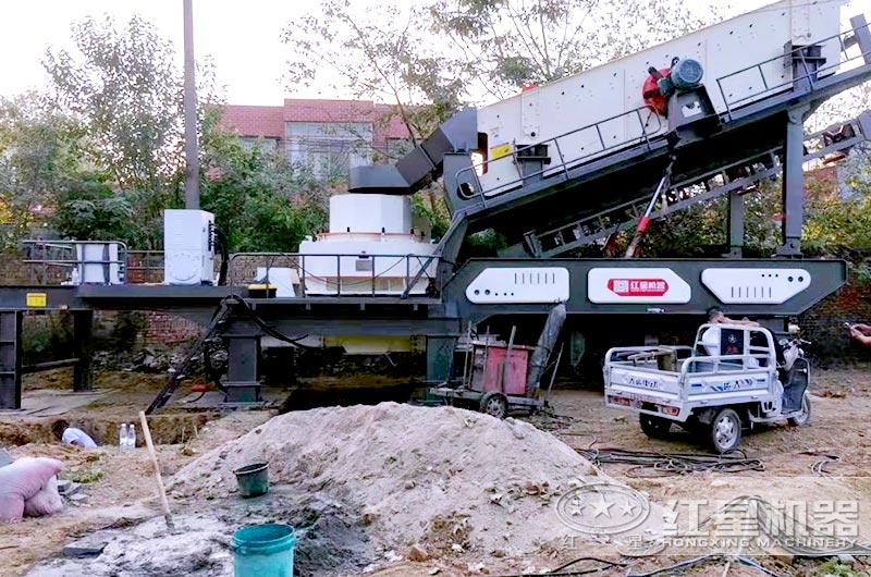 移动式鹅卵石制砂设备工作现场图