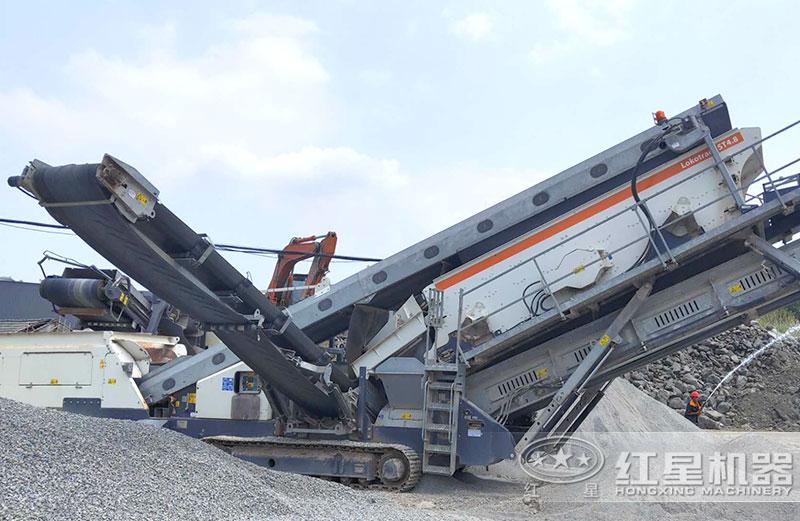 移动式建筑垃圾粉碎机现场