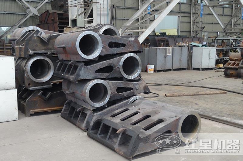 采用铸钢材料打造的鄂破颚板