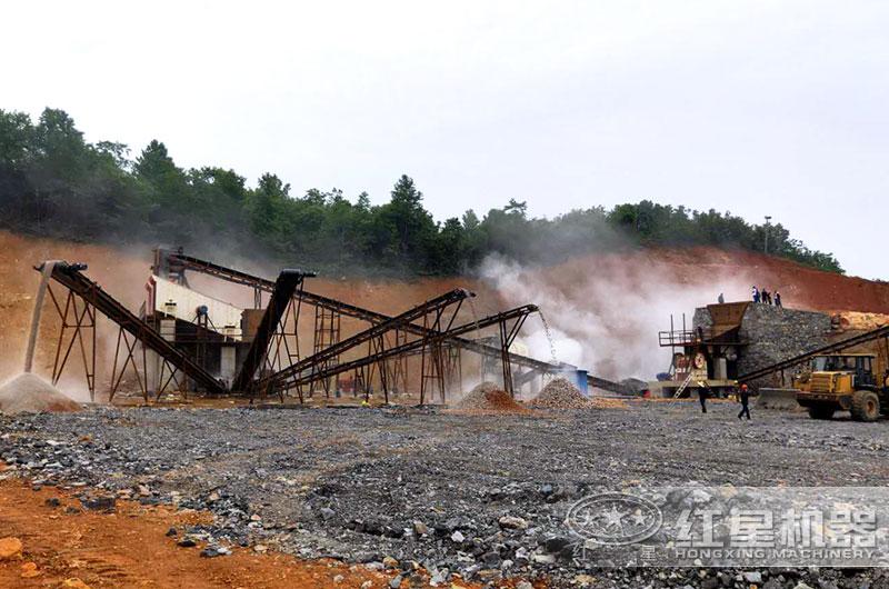 毛石破碎生产线现场图片