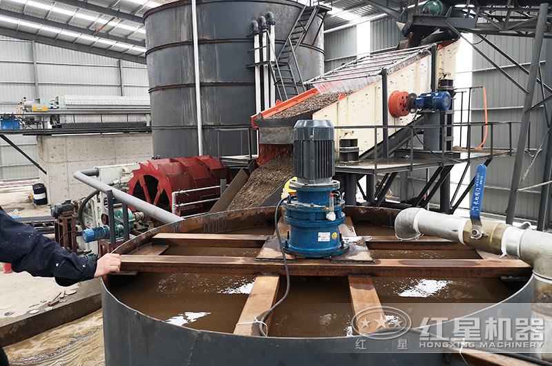 洗砂机生产现场,建设沉淀池
