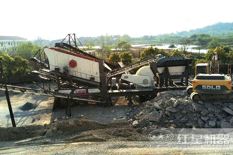 安徽客户可移动煤矸石粉碎机工作现场