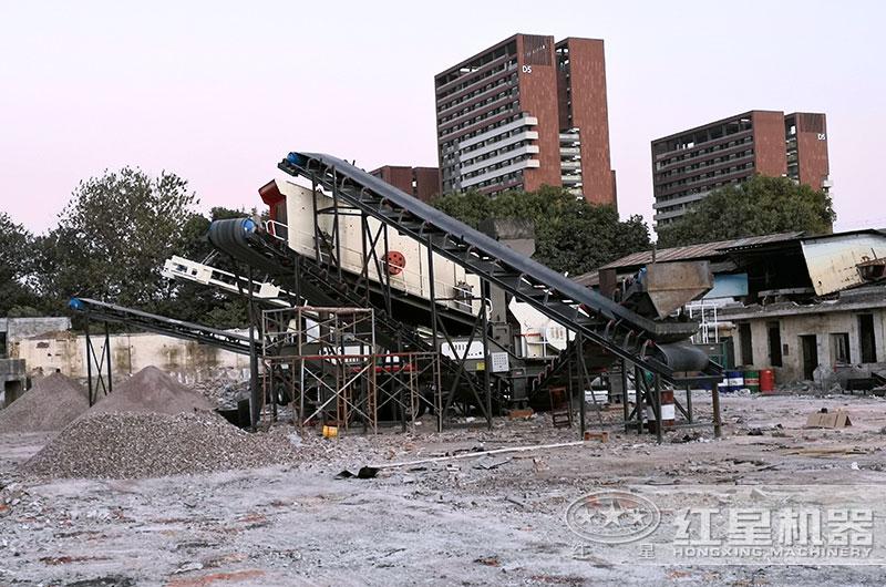 建筑垃圾粉碎现场图片
