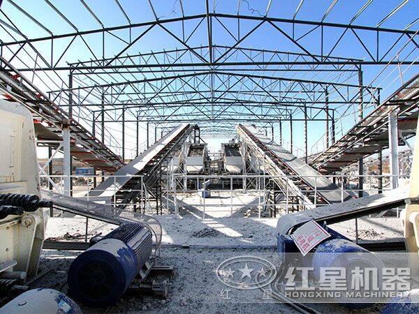 全套新型砂石料设备生产现场