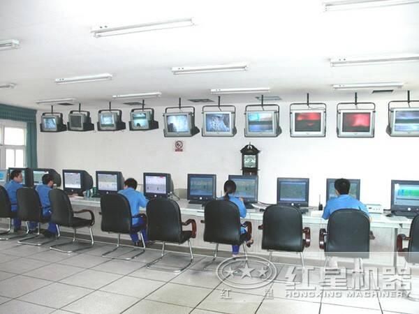 1000tph颚式粉石头机plc自动控制操作间