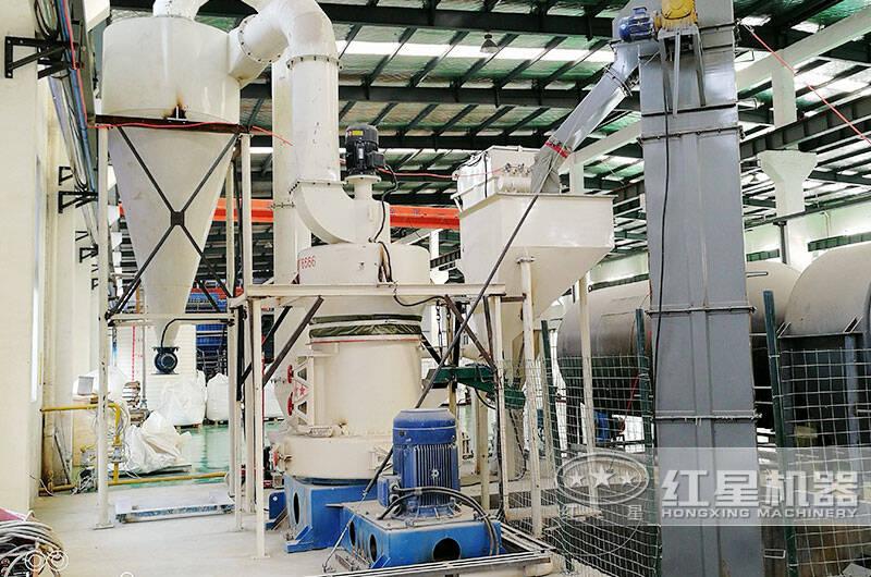 硅矿磨粉加工生产线作业现场