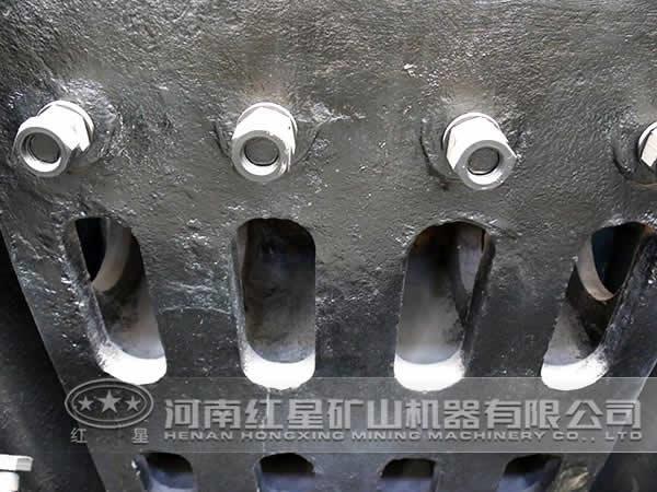 颚式破碎机内部结构