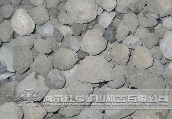 碱偏高,钙偏低,石灰石配料掺加量较大,造成熟料镁,碱含量高,在煅烧