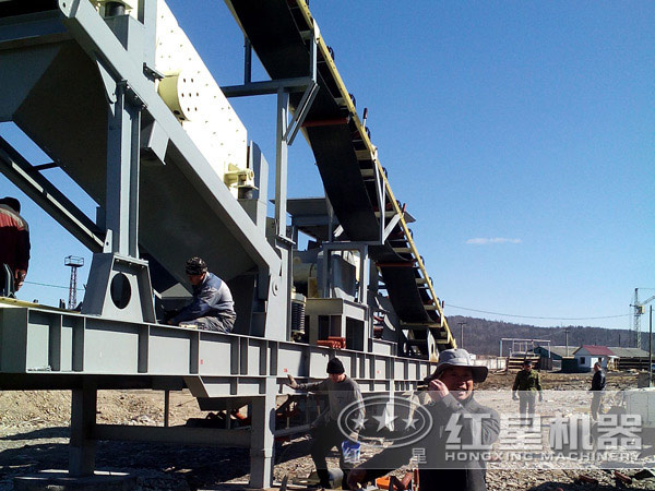 方解石加工流动的破石机环保工作现场