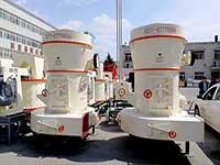 用来研磨煤矸石的小型超细高压磨粉机多少钱?附客户现场